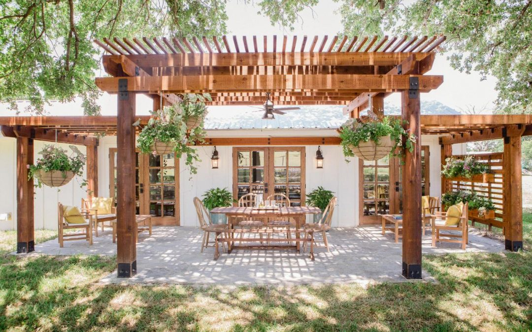 What Benefits You Could Expect by Installing Pergola in Backyard?